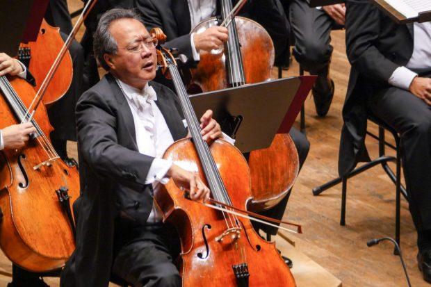 Star-Cellist Yo-Yo Ma interpretierte in Leipzig Werke von Schostakowitsch und Bernstein. Foto: Luca Kunze