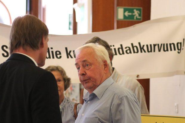 Andreas Müller passte OB Burkhard Jung vor der Ratssitzung ab. Foto: L-IZ.de