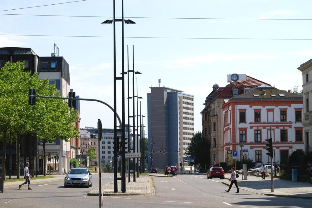 Die Chemnitzer Umgebung direkt am Hauptbahnhof an einem normalen Nachmittag im Jahr 2017. Foto: Michael Freitag
