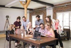 Designlab von links Dana Ulbricht, Stephanie Schmidt, Tobias Loy, Franziska Mueller, Nick Putzmann, Raphael Rill, Madlen Graf und Leonore Rost, Foto: Designlab