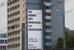Die Würde des Menschen in Chemnitz am 1. September. Ist sie das ... Foto: Michael Freitag