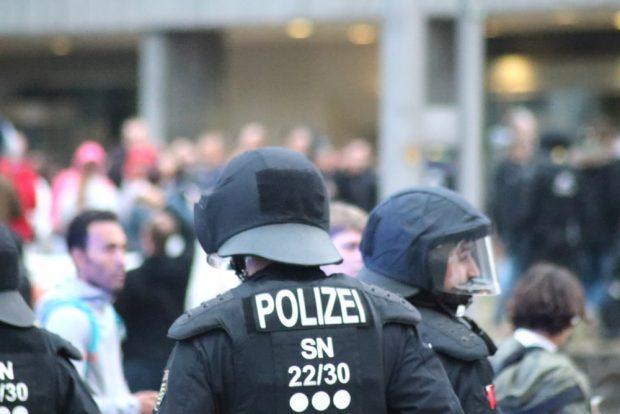 Am Sonntag, den 27. August, wurden die Polizeibeamten in Chemnitz im Stich gelassen. Foto vom 01.09.: L-IZ.de