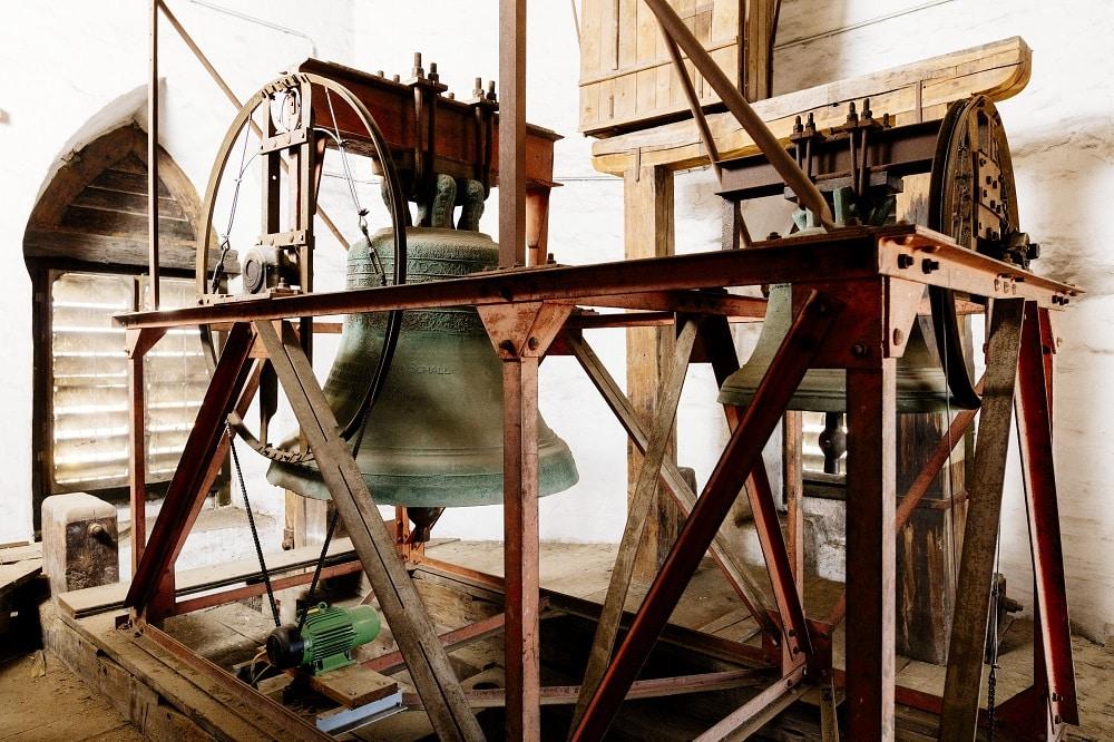 Ungünstiger Stahlstuhl und veraltete Antriebe, Foto: Thomaskirche