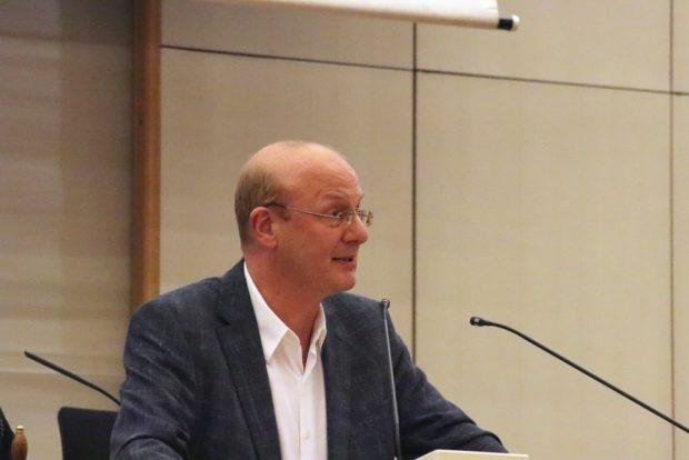 Steffen Wehmann (Linke) für eine soziale Gästetaxe mit Ermäßigung. Foto: L-IZ.de