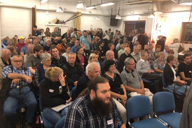 Voller Saal beim ersten Aufstehen-Treffen in Leipzig. Foto: Aufstehen Leipzig