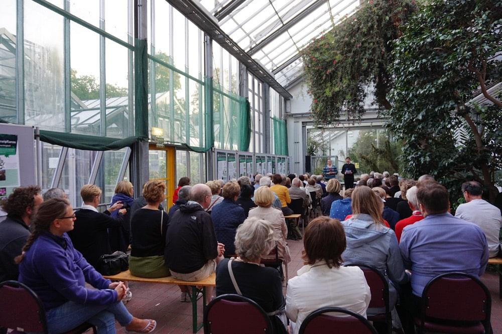 Ringelnatz-Lesung im Botanischen Garten. Foto: Gesellschaft für zeitgenössische Lyrik