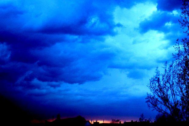 Finstere Wolken. Foto: Ralf Julke