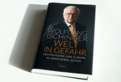 Wolfgang Ischinger: Welt in Gefahr. Foto: Ralf Julke