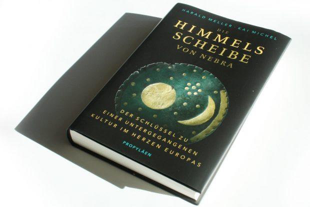 Harald Meller, Kai Michel: Die Himmelsscheibe von Nebra. Foto: Ralf Julke