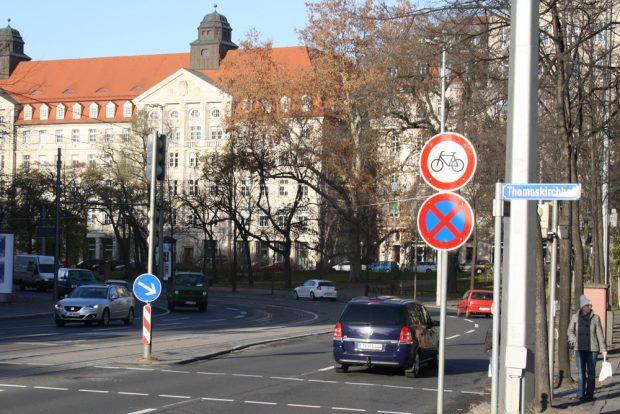 Radfahrverbotsschild am Dittrichring. Foto: Ralf Julke