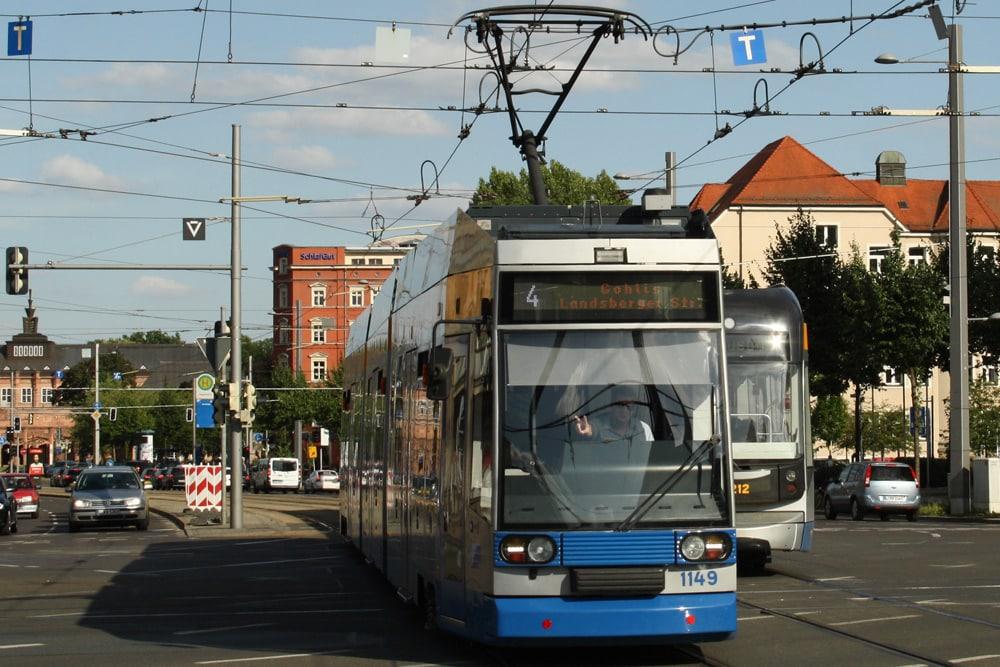 Straßenbahn am Augustusplatz. Foto: Ralf Julke