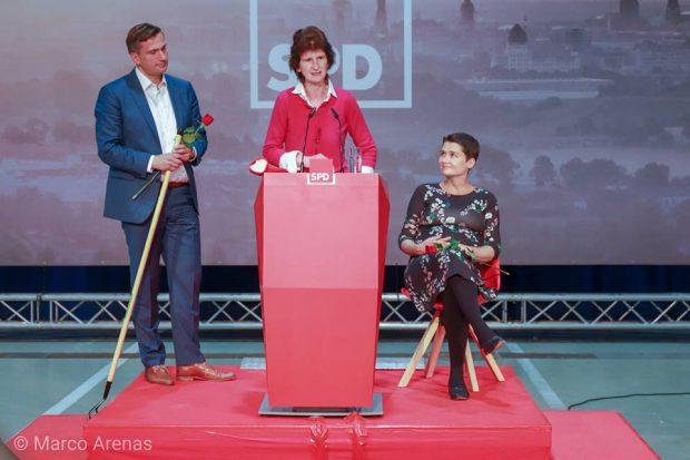 Martin Dulig, Eva-Maria Stange (am Pult) und Daniela Kolbe. Foto: Marco Arenas