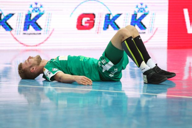Fassungslosigkeit bei Philipp Weber nach der Niederlage in letzter Sekunde. Foto: Jan Kaefer