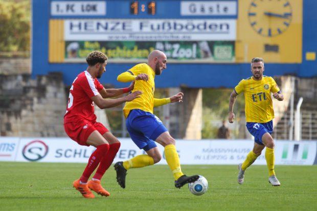 Nach seiner Einwechslung konnte Kemal Atici (am Ball) keine Akzente setzen. Foto: Jan Kaefer