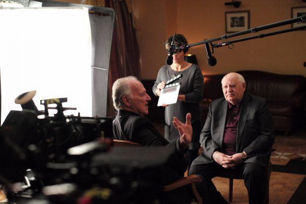 Werner Herzog (l.) im Gespräch mit Gorbatschow. Foto: DOK Leipzig / Lena Herzog