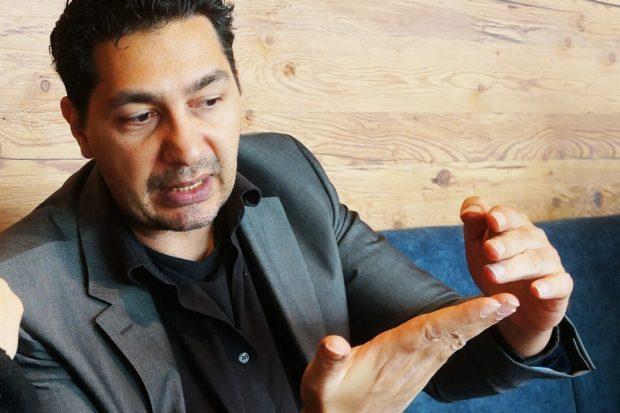 Blogger und Betreiber der Initiativseite glyphosat-test.de, Nico DaVinci im Gespräch. Foto: Privat