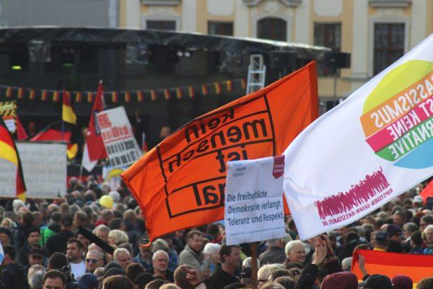 Pegida und der Gegenprotest am Neumarkt. Foto: L-IZ.de