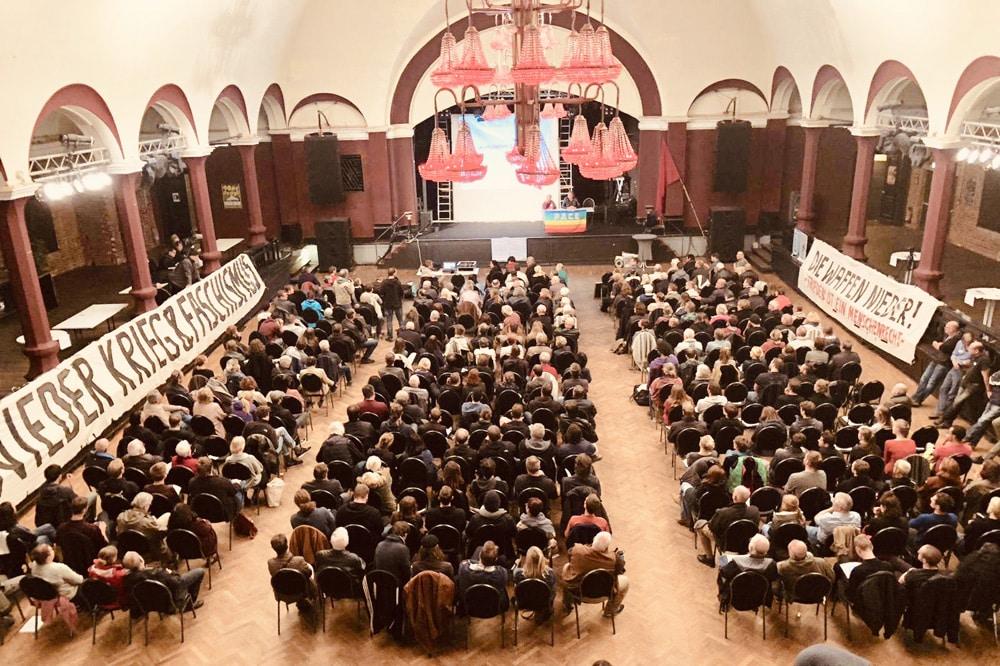 #aufstehen-Versammlung am 19. Oktober im Felsenkeller. Foto: Aufstehen Leipzig