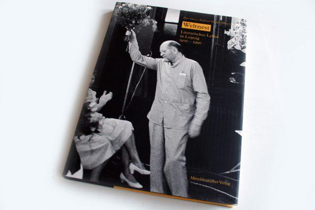 """2007 im Mitteldeutschen Verlag erschienen: Peter Gosse / Helfried Strauß """"Weltnest. Foto: Ralf Julke"""
