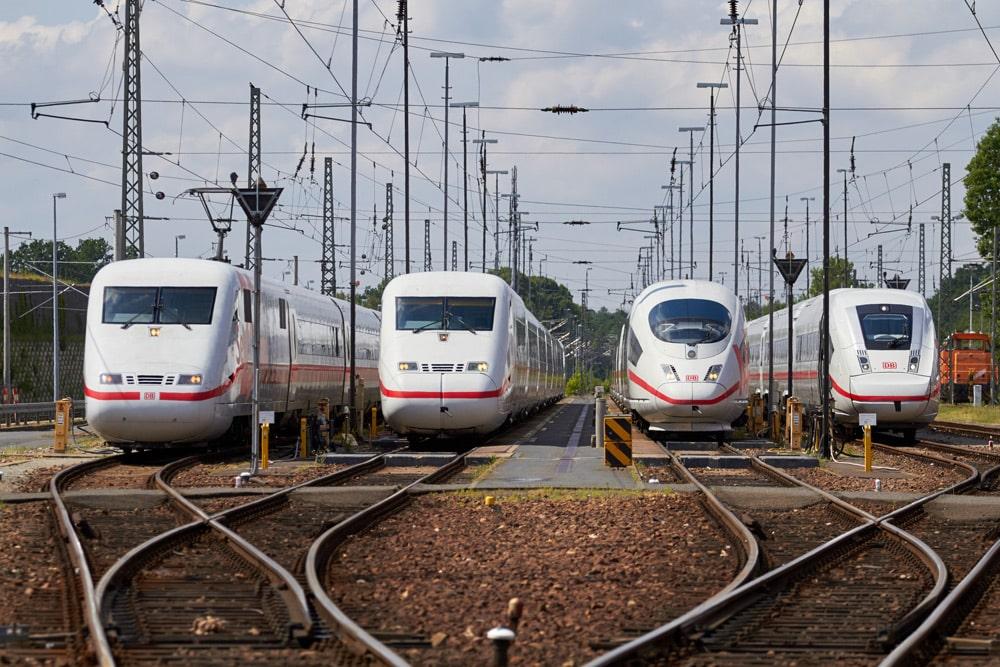 ICE 1 Baureihe 401/ICE 2 Baureihe 402/ICE 3 Baureihe 403/ICE 4 Baureihe 412 Foto: Deutsche Bahn AG / Kai Michael Neuhold