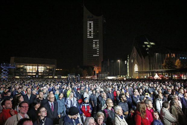 Das Publikum beim Lichtfest. Foto: LTM / Punctum, Stefan Hoyer