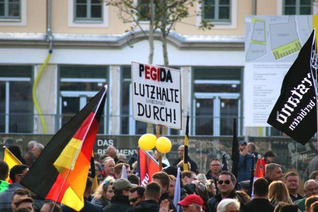 Ihren Anführer haben sie in Lutz Bachmann, einem wegen 16 Einbruchsdiebstählen und nicht geleisteten Unterhaltszahlungen verurteilten Mann gefunden. Foto: L-IZ.de