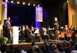 Henry Graichen und das Leipiziger Symphonieorchester mit Nicolas Krüger Foto: Landratsamt Landkreis Leipzig