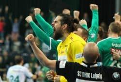 Torwart Milos Putera schreit seine Freude über den ersehnten DHfK-Sieg heraus. Foto: Jan Kaefer