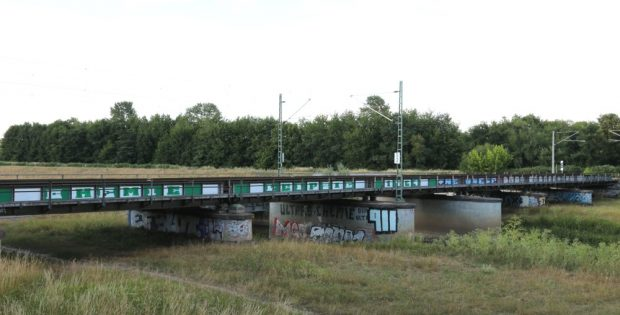 Alt und kaputt - die Brücke an der Neuen Luppe. Foto: L-IZ.de