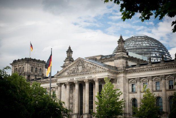 Der Bundestag möchte das Kooperationsverbot lockern. Foto: Deutscher Bundestag / Simone M. Neumann