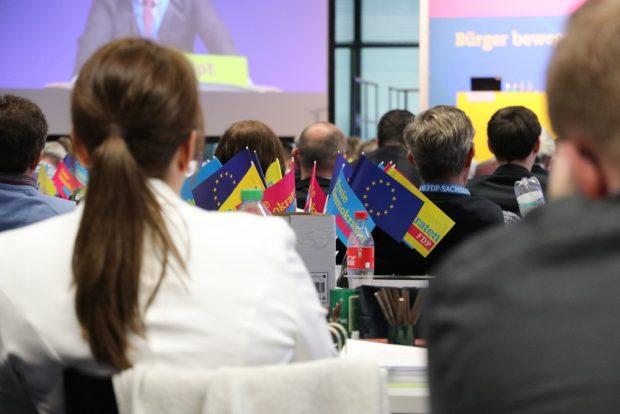 Ewtas ungläubige Reaktionen bei den Delegierten. Die FDP beim 49. Landesparteitag am 3. November 2018. Foto: L-IZ.de