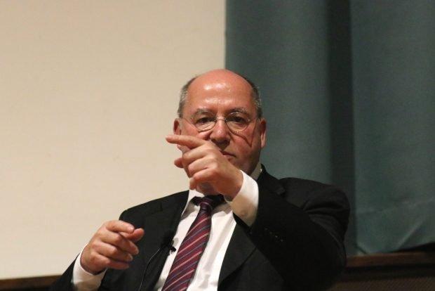 Debattierte mit Jens-Uwe Jopp über Kapitalismus und Wiedervereinigung, Gregor Gysi im Schiller. Foto: L-IZ.de