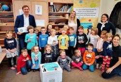 Gruppenbild Montessorie Kinderhaus zum Auftakt wiKilino Programm. © Momelino e. V.