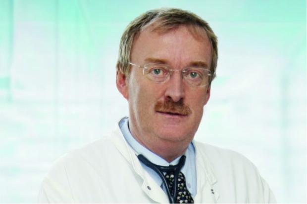 Prof. Joachim Mössner leitete 25 Jahre lang die Klinik und Poliklinik für Gastroenterologie und Rheumatologie am UKL. Foto: Stefan Straube / UKL