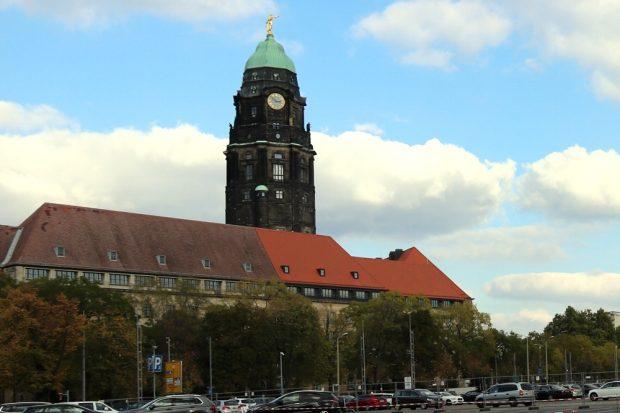 Das Rathaus in Dresden. Gebäude steht, Mehrheit ist gekippt. Foto: L-IZ.de
