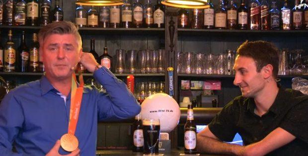 Paralympicssieger Martin Schulz (re.) zu Gast beim Sportpunkt. Foto: Screenshot Sportpunkt