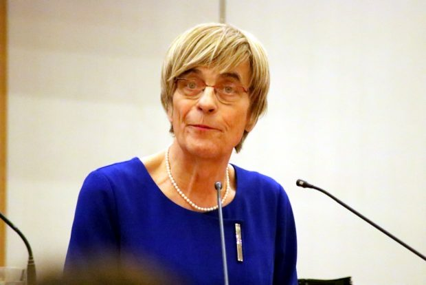 Naomi Pia Witte (FDP/Freibeuter) zum Thema Schulessen im Stadtrat. Foto: L-IZ.de