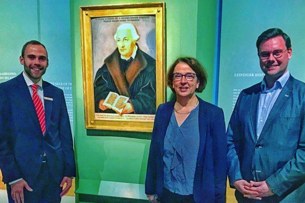 Das Bugenhagen-Bild mit Sebastian Müller, Ulrike Dura und Eric Buchmann. Foto: Hieronymus-Lotter-Gesellschaft