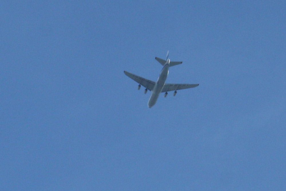 Flieger überm Leipziger Stadtgebiet. Foto: Ralf Julke