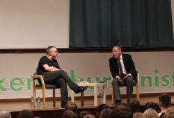 Gregor Gysi zu Gast am Schillergymnasium. Foto: L-IZ.de