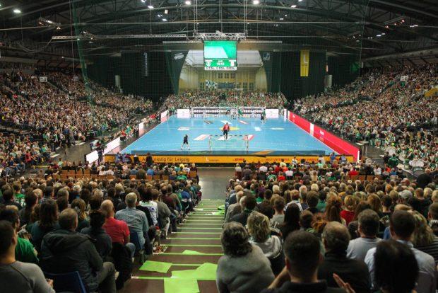 Das Ostderby lockte 7.213 Handballfans in die ausverkaufte Arena Leipzig. Foto: Jan Kaefer