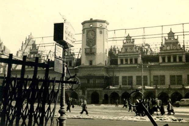 """""""Altes Rathaus nach dem 4. Dezember 1943"""", Quelle: Stadtgeschichtliches Museum Leipzig, Hans Lilie"""