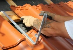 Bald mehr Lohn für Dachdecker, Foto: IG BAU