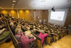 """Der """"krumme Rücken"""" steht im Mittelpunkt der kommenden Veranstaltung der Vortragsreihe """"Medizin für Jedermann"""" am 12. Dezember. Foto: Stefan Straube / UKL"""