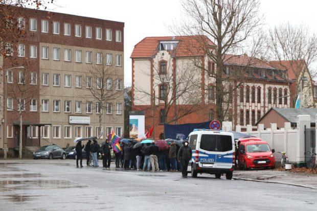 Protest von links gegen Islamismus am 21.12.2018 vor der Al-Rahman-Moschee in der Roscherstraße. Foto: L-IZ.de