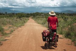 Ich lerne in kleinen Schritten zu denken und Tag für Tag meinem Weg zu folgen, Malawi. © Anselm Pahnke