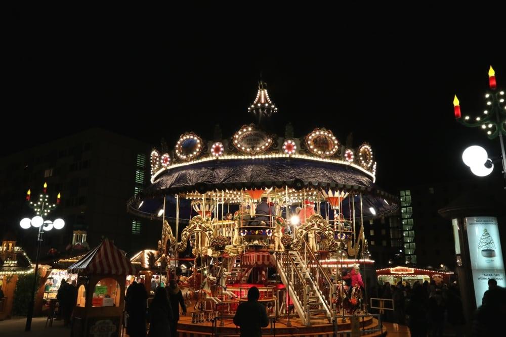 Das beliebte nostalgische Karussel vom Leipziger Weihnachtsmarkt. Foto: L-IZ.de