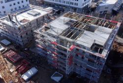 """Der """"Lipsia-Turm"""" wächst weiter in die Höhe. Von dem 13-Geschosser sind bereits die Wände bis zum 3. Obergeschoss aufgebaut, jetzt wird dessen Decke betoniert. Foto: Diringer und Scheidel Bauunternehmung"""