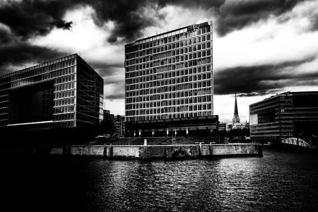 """Das """"Spiegel""""-Gebäude in Hamburg. Foto: Pixabay"""