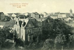 Blick von der Mühle nach Großzschocher - im Vordergrund:die Rote Villa. Postkarte von 1910. Foto: Werner Franke